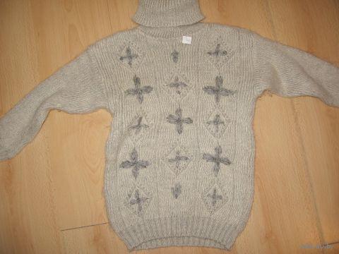 Очень теплый НОВЫЙ свитер 7-8 лет