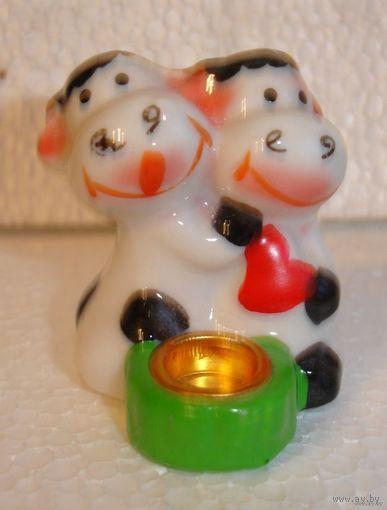Подсвечник для маленькой свечи,фигурка коровки