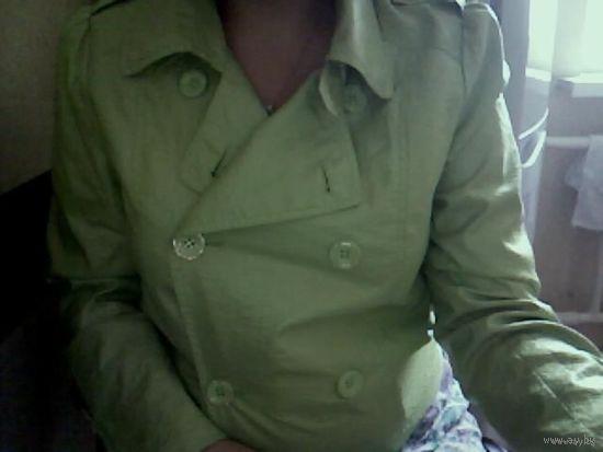 Стильная салатовая курточка-болерошка