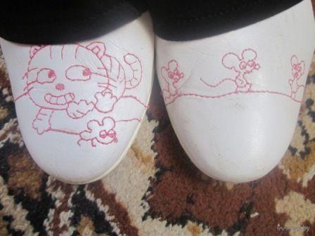 Шлёпки Кожа Испания - на одном кошка-на другом шлёпке мышка р.38