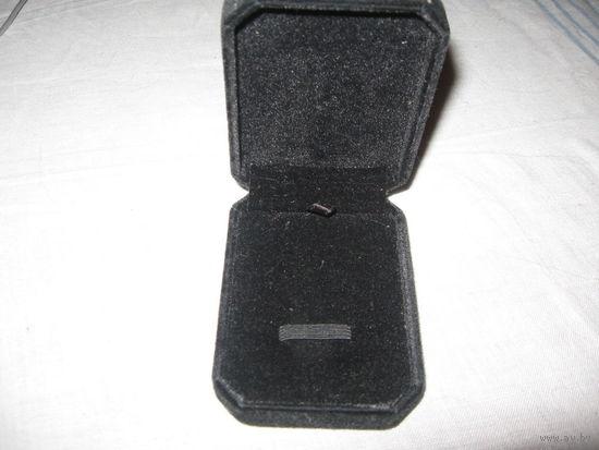 Бархатная черная коробочка для флешки