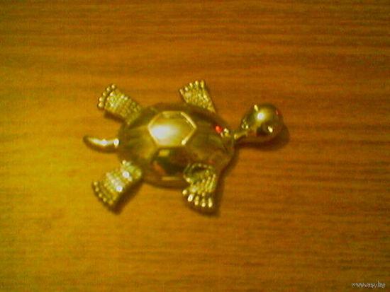 Металлическая морская черепашка