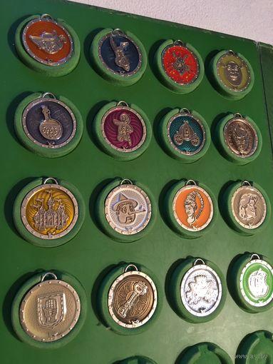 Шрэк Фишки, брелки, медальоны, медали, медальки в Папке 16 шт металл