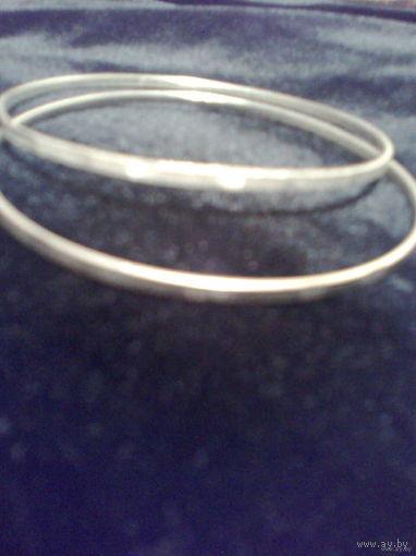 Тонкие лёгкие браслетики под серебро