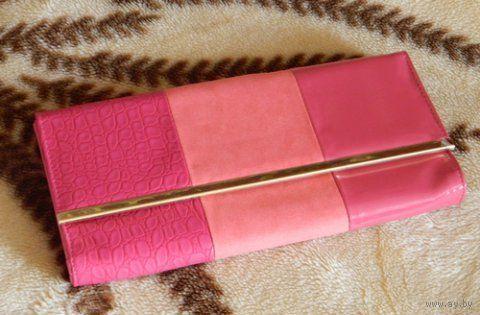 Розовый клатч лаковый и бархатный вставки
