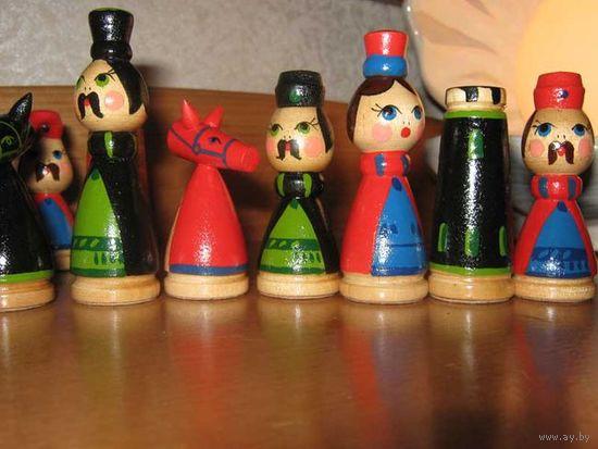 Шахматы игральные и коллекционные,деревянные и очень красивые-раскрашены полностью вручную.