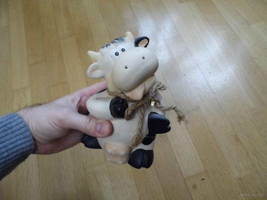 Корова фигурка глиняная