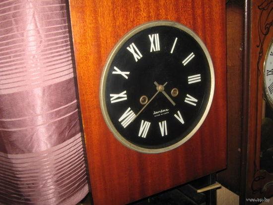 Часы настенные.Янтарь.70-е годы.
