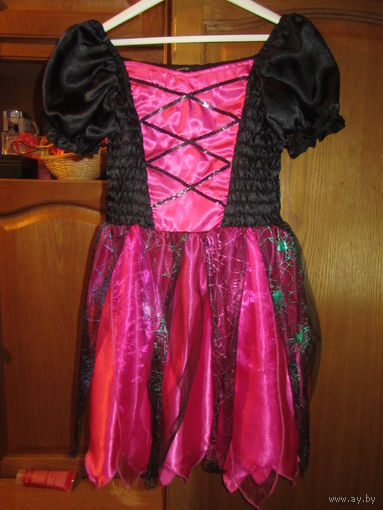 Черно-розовое платье для девочки. Карнавальное и новогоднее. Костюм. Длина прим 75 см. Как новое Всего за 20 руб. Могу выслать почтой