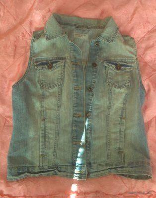 Стильная джинсовая жилетка new look