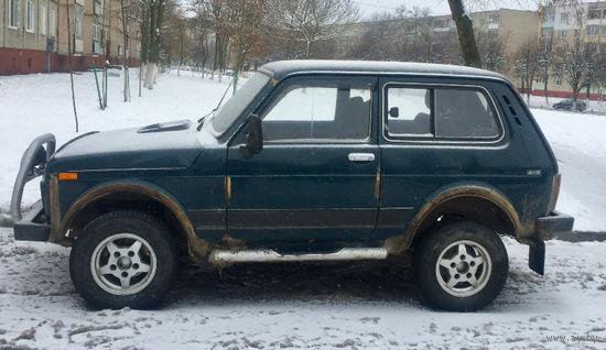 Автомобиль ВАЗ 21213 Нива-2000