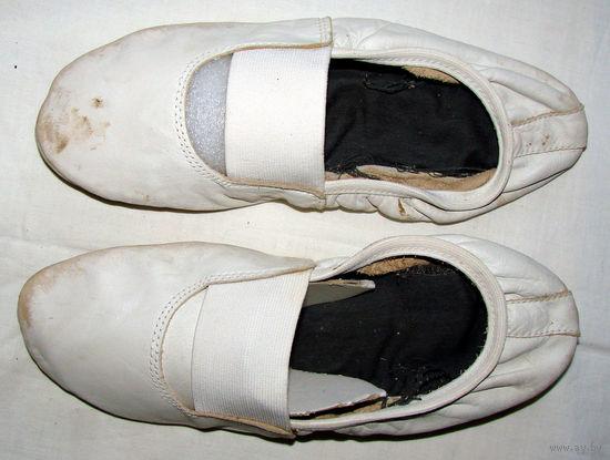 Чешки со времен СССР, на р-р 39-40, по стельке - 26см, натуральная кожа, б/у много лет, проверены на прочность