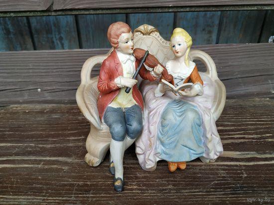 Влюбленная пара музыкантов. Европа