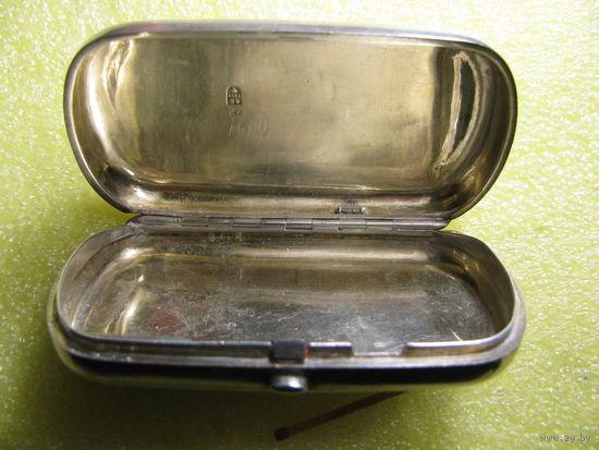 Табакерка-портсигар 84 проба. 1881г.