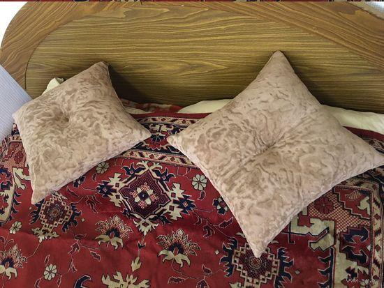 Подушка диванная бежевая 35 см на 35 см (цена за одну)