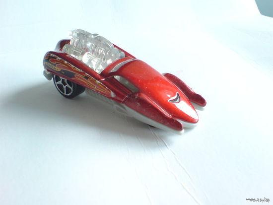 Гоночная машинка аригинальной конструкции. красная. металл-пластик  распродажа коллекции