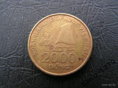 2000 донг вьетнам 2003г.   распродажа