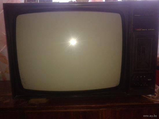Телевизор Горизонт 61ТЦ421Д