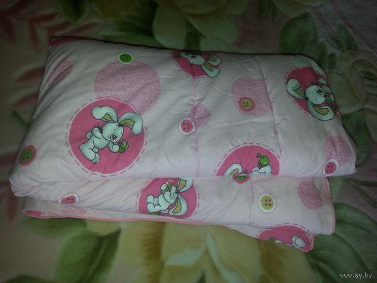 Одеяло детское с наполнителем Файбертек двухстороннее 110-140 см. Немного б/у. Очень хорошее состояние. Без проблем. Материал 100% хлопок. Наполнитель - волокно силиконзированное полиэфирное Файбертек
