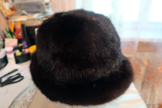 Шляпка женская из коричневой норки. Размер 57. Торг.