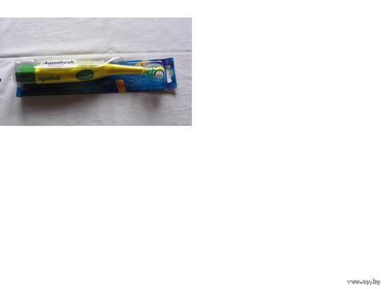 Механическая зубная щётка с вращающейся головкой (aguafresh duo brush)  распродажа