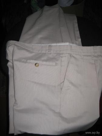 Модные-белые в полоску -стрелочки-брюки  р.44-46