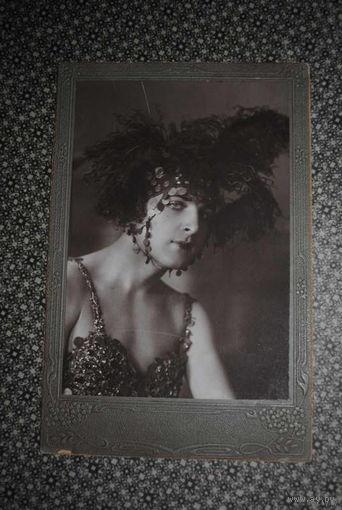 Кабинетное фото, - отличного качества из личной коллекции, - на фото известный артист того времени, любимец золотой, дворянской молодёжи, фото сделанное ещё до 1917 года-!